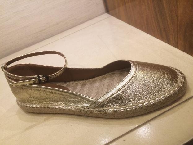 Metallic closed toe flat w ankle strap